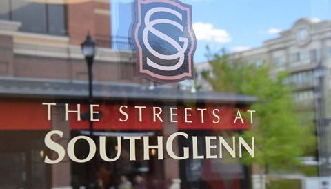 Streets at SouthGlenn sign.JPG